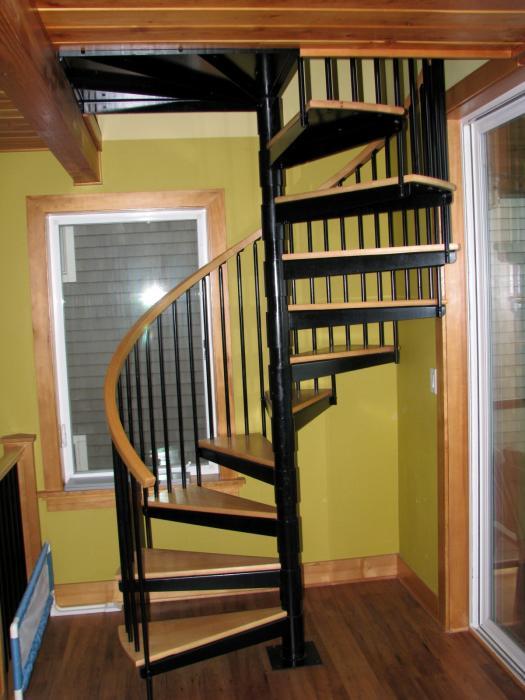 spiral staircase bonus room
