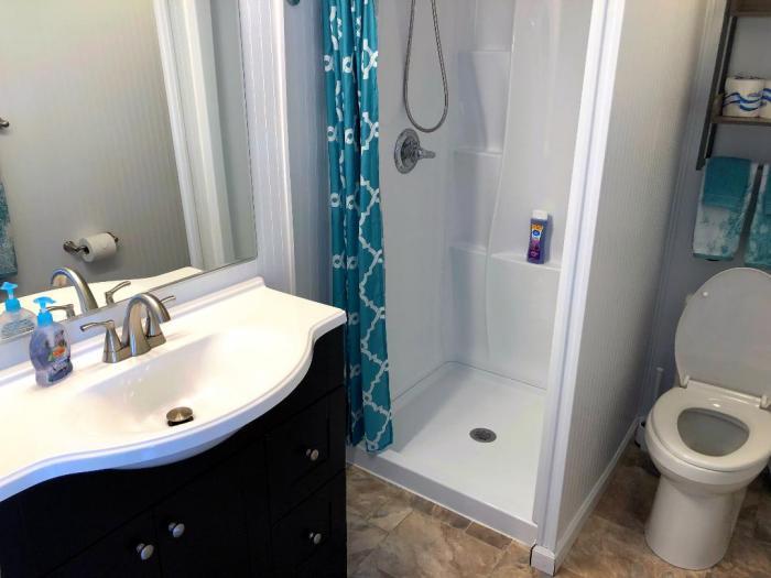 Anchor's Away bathroom