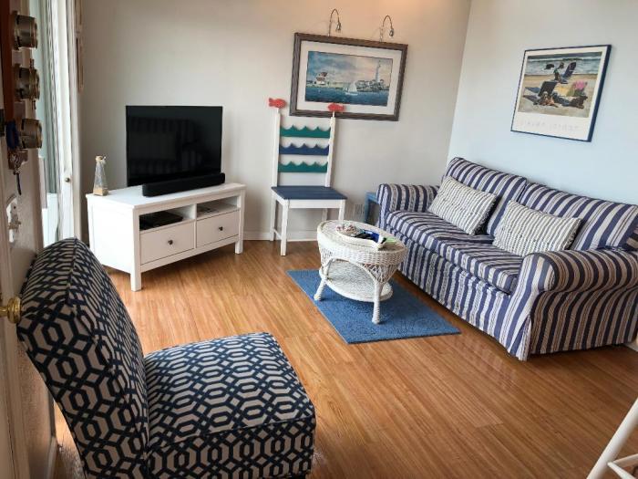 Couple's Retreat living room