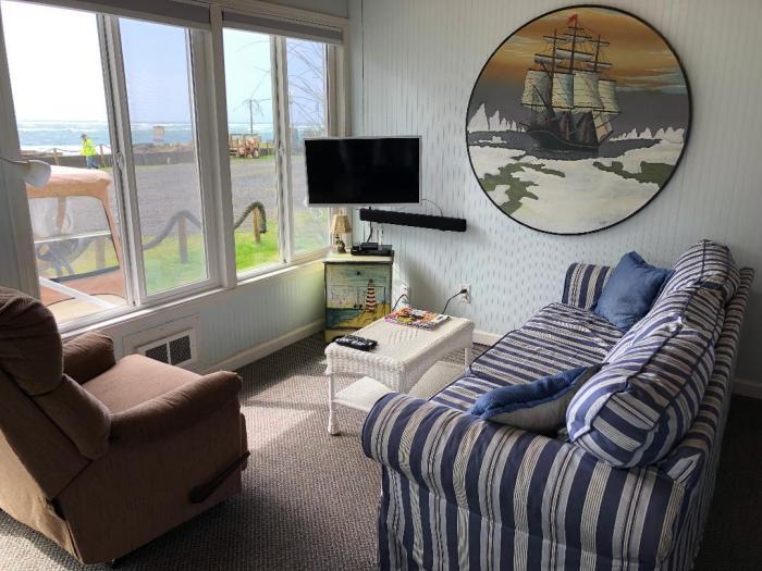 Nautical Star living room